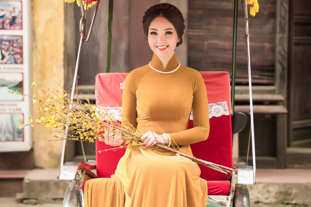 A hau Thuy Van hoa than thanh phu nu Ha thanh xua, khoe nhan sac man ma hinh anh 5