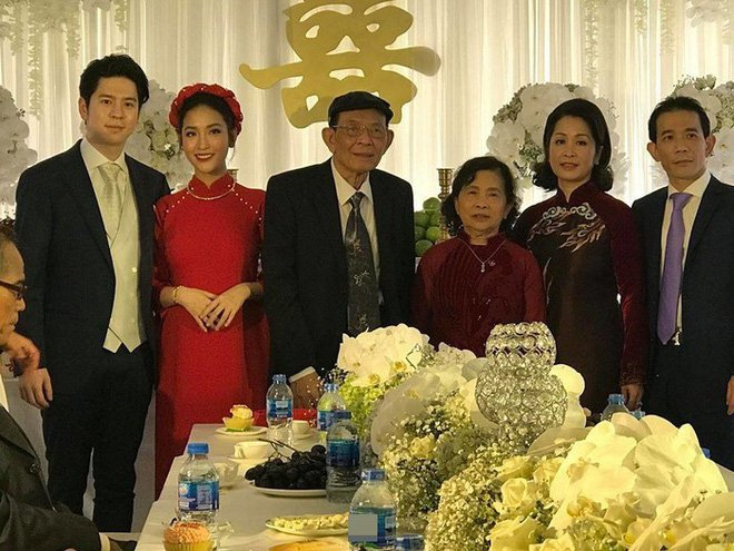 Tinh cu Tran Thanh dinh hon voi ban trai Viet kieu hinh anh 1