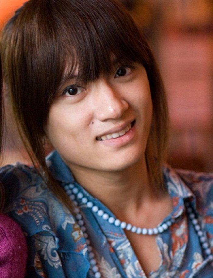 Huong Giang Idol: Hanh trinh tu chang trai ten Hieu den Hoa hau Chuyen gioi Quoc te hinh anh 1