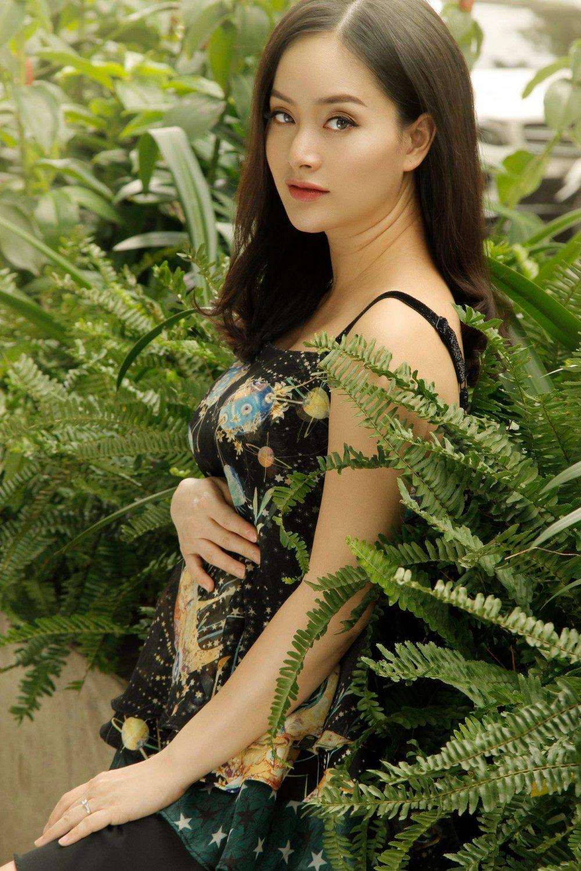 Lan Phuong 'Ca mot doi an oan' hanh phuc khoe bung bau hinh anh 4