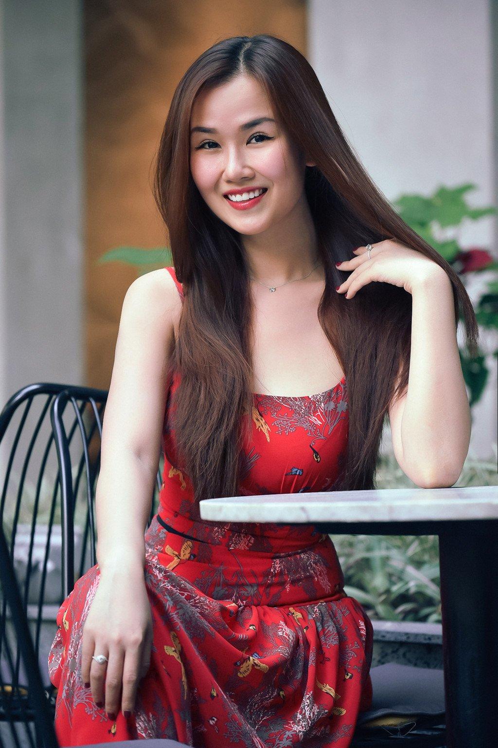 Ha Tram: 'Suy sup vi ban trai phan boi, suyt bi bau show cuong hiep' hinh anh 2