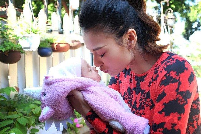 Nguoi mau Hong Que: Nguoi yeu 5 nam choi bo khi toi mang thai hinh anh 3