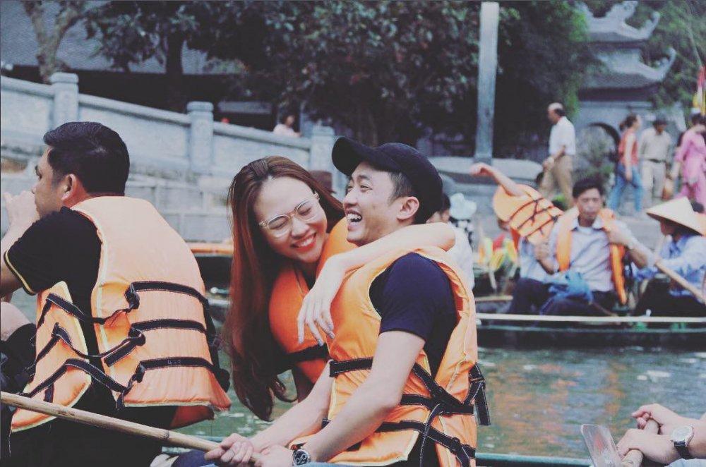 Dam Thu Trang om Cuong Do la cuoi rang ro hinh anh 1