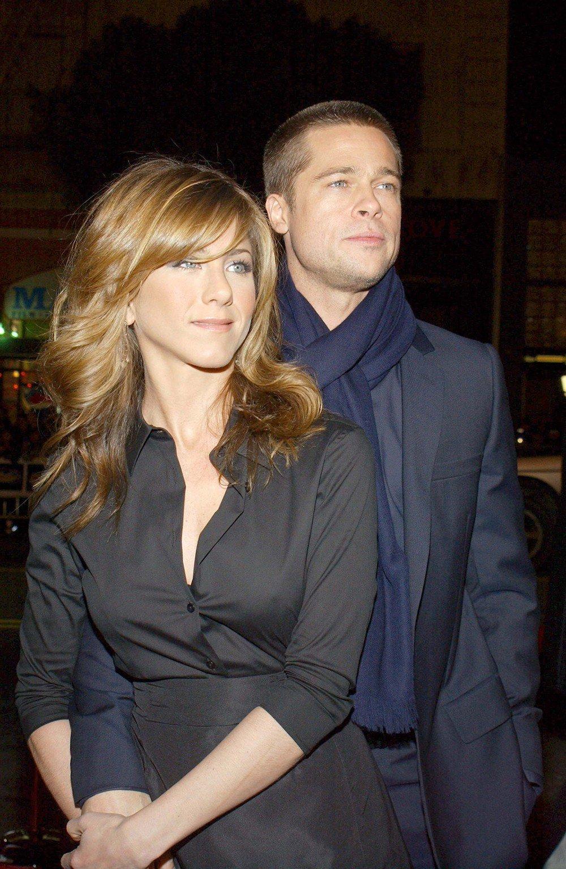 Sau tat ca, Jennifer Aniston va Brad Pitt noi lai tinh cu, bi mat hen ho dem khuya hinh anh 1