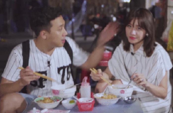 Video: Tran Thanh 'bat tai' Hari Won, mang 'con gai gi ma an toi dau roi toi do' hinh anh 1