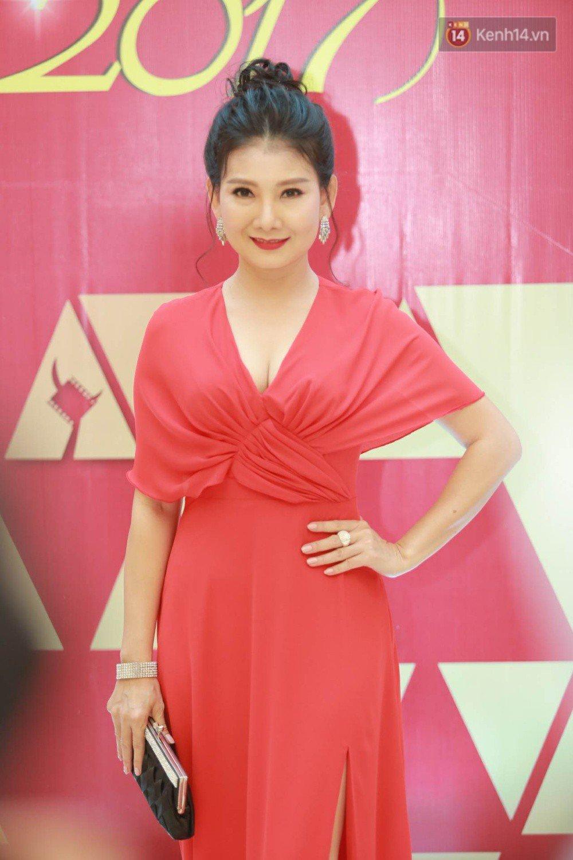 Sau scandal cua Truong Giang, Nha Phuong khoe lung tran tai giai Canh dieu vang hinh anh 6