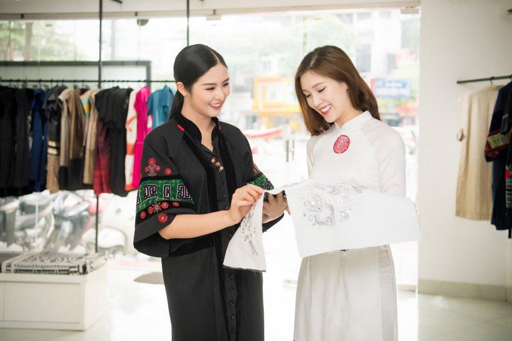 Ngoc Han may ao dai cho ban than Phi Thi Thuy Linh thi Hoa hau hinh anh 2
