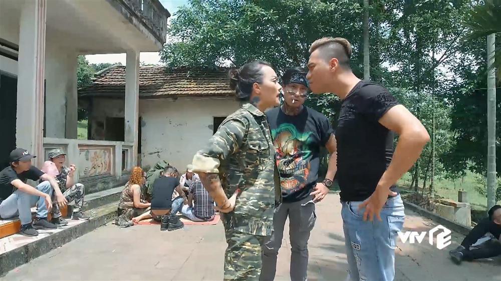 Video: Trum Quam Van Dung dau vo mom voi Phan Hai 4 tieng, ra suc nem ca chua hinh anh 1