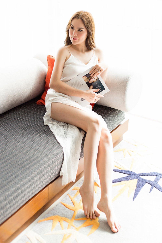 Day la Hoa hau Viet dau tien duoc xuat hien tren tap chi Vogue Thai Lan hinh anh 5