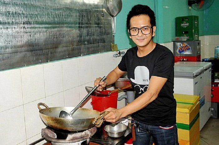 Hung Thuan 'Dat phuong Nam': Sao nhi noi tieng mot thoi khong ngai livestream ban my pham hinh anh 5