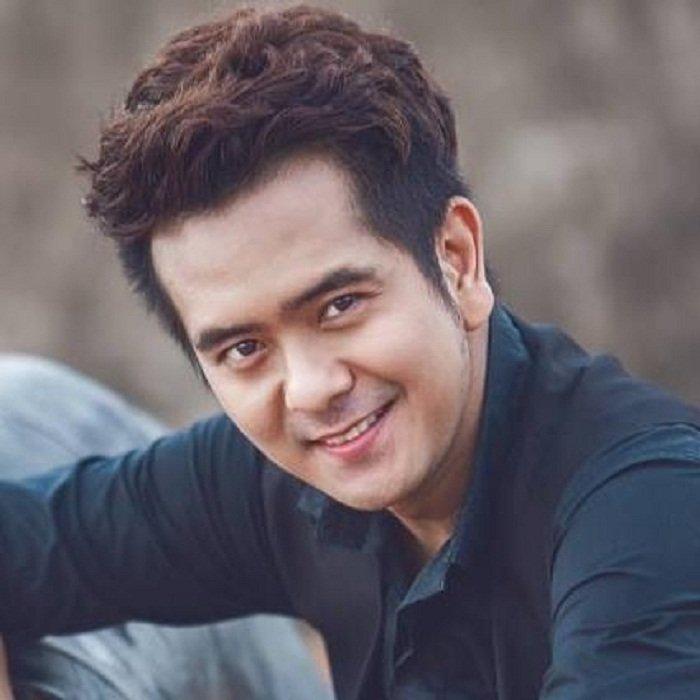 Hung Thuan 'Dat phuong Nam': Sao nhi noi tieng mot thoi khong ngai livestream ban my pham hinh anh 3