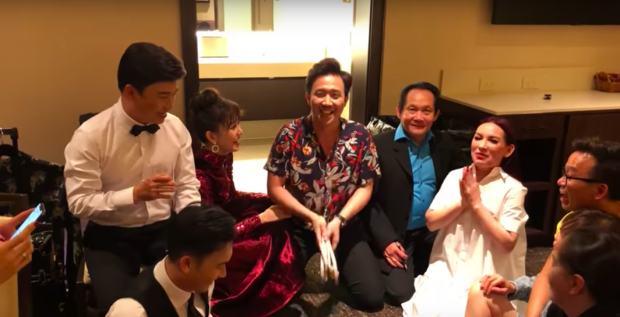 Tran Thanh cung dan nghe si 'lay loi' du doan ket qua World Cup 2018 bang dep hinh anh 1