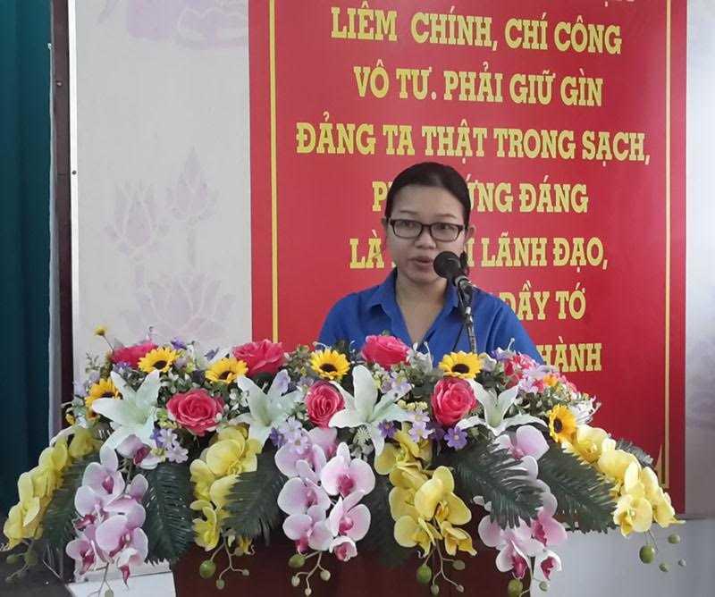 Cu cap duoi di hoc ho, bi thu Thanh doan Can Tho bi ky luat hinh anh 1