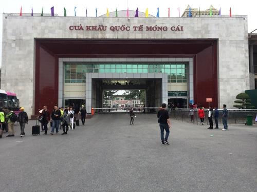 Cua hang 'chi ban cho nguoi Trung Quoc': Thu tuong yeu cau xac minh hinh anh 1