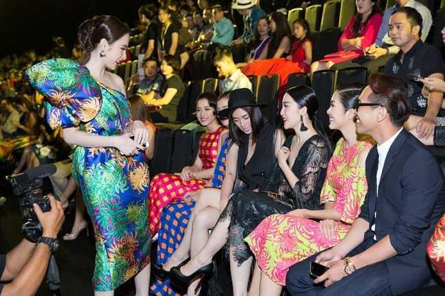 Ngo Thanh Van: E kip truyen thong cua Angela Phuong Trinh viet bai sai su that hinh anh 1