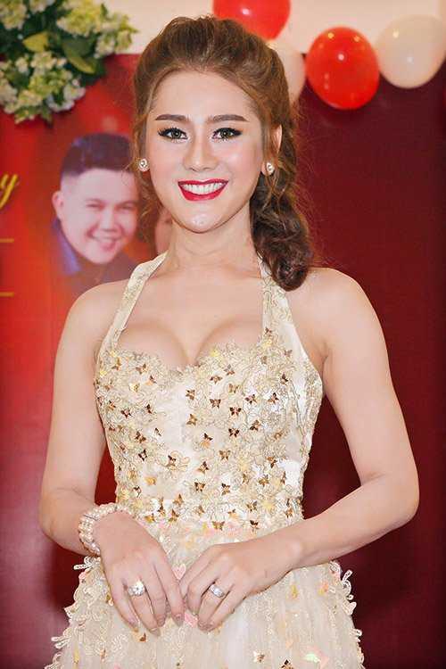 Lam Chi Khanh: 'Doi ten Khanh Chi de duoc may man' hinh anh 1