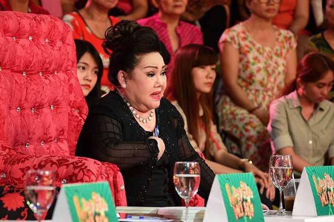 Tran Thanh che hoc tro Hoai Linh dien hai vo van hinh anh 7