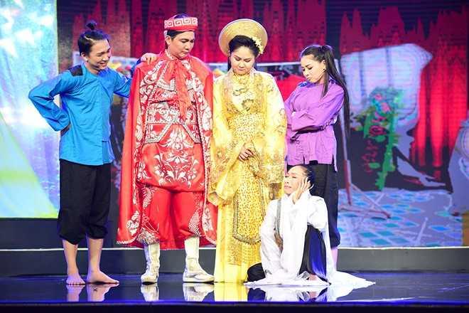 Tran Thanh che hoc tro Hoai Linh dien hai vo van hinh anh 9
