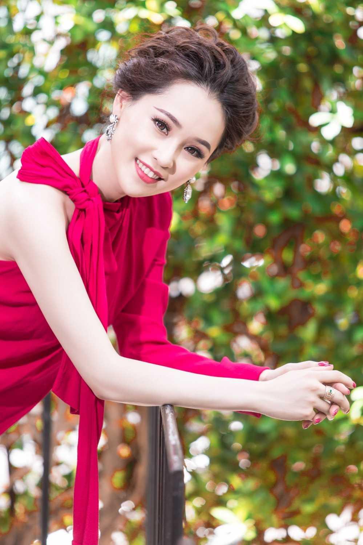 A hau Thai Nhu Ngoc sang chanh trong loat hang hieu sieu dat do hinh anh 7