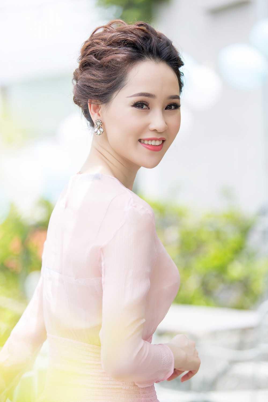 A hau Thai Nhu Ngoc sang chanh trong loat hang hieu sieu dat do hinh anh 3