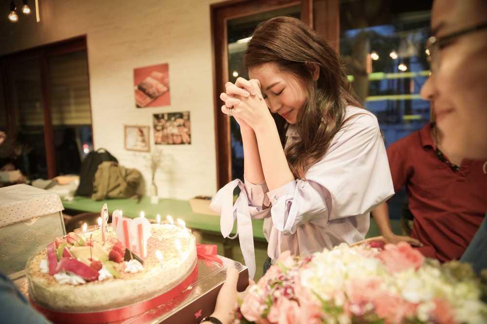 'Hoang tu son ca' Quang Vinh tai xuat, dong phim cung Chi Pu hinh anh 4