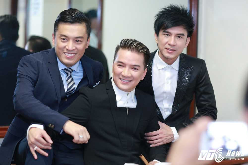 Khong ua Thanh Thao, Mr Dam van phai 'canh tranh' voi Lam Truong de duoc cam tay 'bup be' hinh anh 2