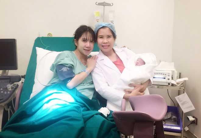 Ly Hai - Minh Ha hanh phuc ben quy tu thu 4 vua chao doi hinh anh 4