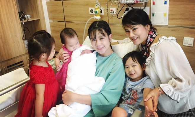 Ly Hai - Minh Ha hanh phuc ben quy tu thu 4 vua chao doi hinh anh 6