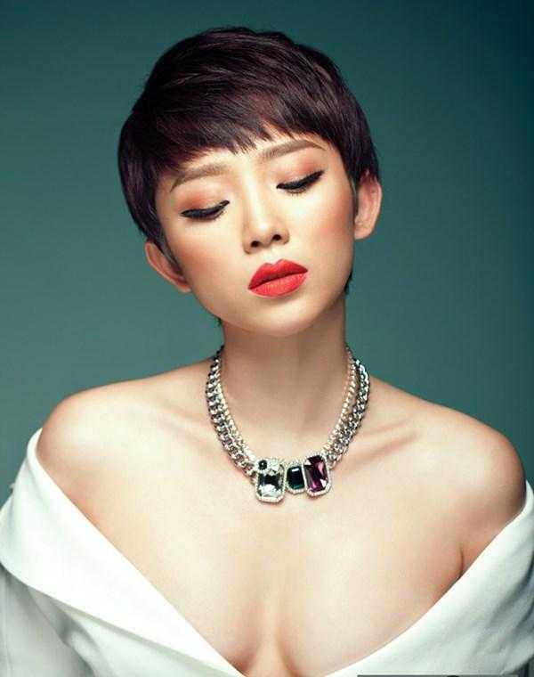 Ha Ho, Toc Tien vut sang nho lam guong mat thuong hieu hinh anh 6