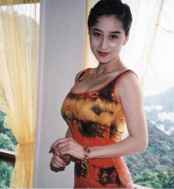 My nhan khien Ly Lien Kiet bo vo con, Thanh Long me man la ai? hinh anh 9