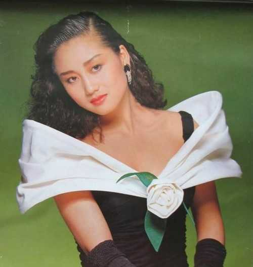 My nhan khien Ly Lien Kiet bo vo con, Thanh Long me man la ai? hinh anh 3