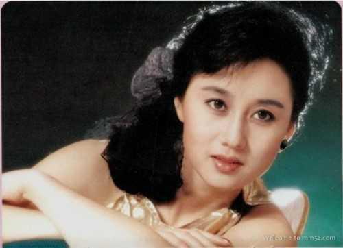 My nhan khien Ly Lien Kiet bo vo con, Thanh Long me man la ai? hinh anh 5