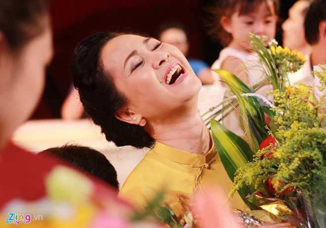 NSND Lan Huong truoc gio chia tay san khau: Toi khong co gi de hoi tiec hinh anh 3
