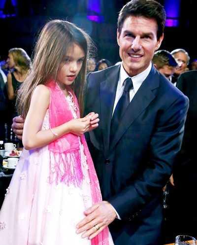 Qua sung dao, Tom Cruise cat dut quan he voi con gai Suri hinh anh 1