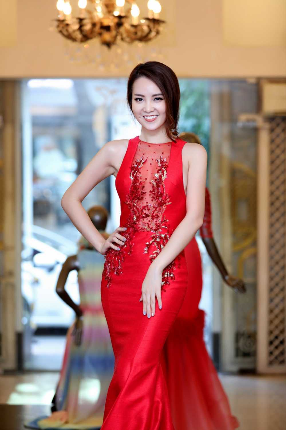 Thuy Van thu vay ao chuan bi lam MC chung ket Hoa hau Viet Nam 2016 hinh anh 7