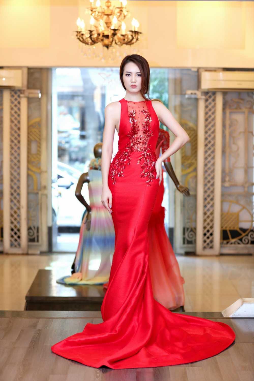Thuy Van thu vay ao chuan bi lam MC chung ket Hoa hau Viet Nam 2016 hinh anh 5