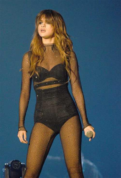 Selena Gomez tram cam va so hai vi mac benh nan y hinh anh 2