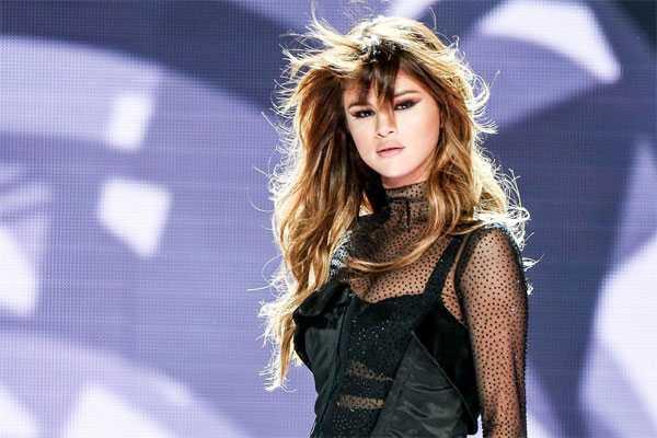 Selena Gomez tram cam va so hai vi mac benh nan y hinh anh 1