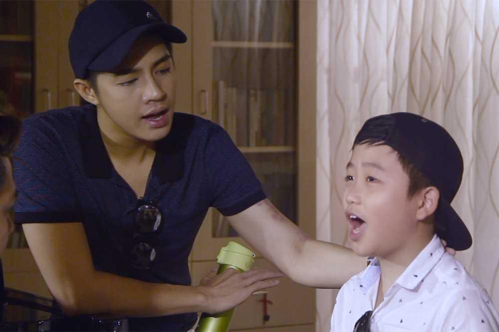 Tren san khau cuoi dua nhung day chinh la Noo khi tap luyen cho thi sinh hinh anh 2