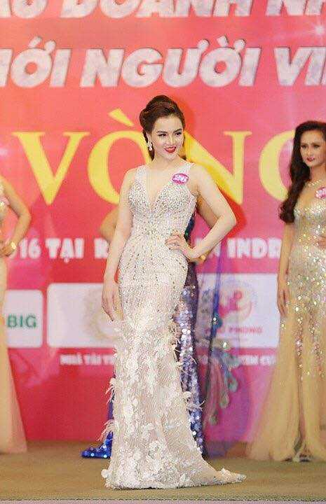 Ngoc Cham dang quang A hau 1 Doanh nhan the gioi nguoi Viet 2016 hinh anh 1
