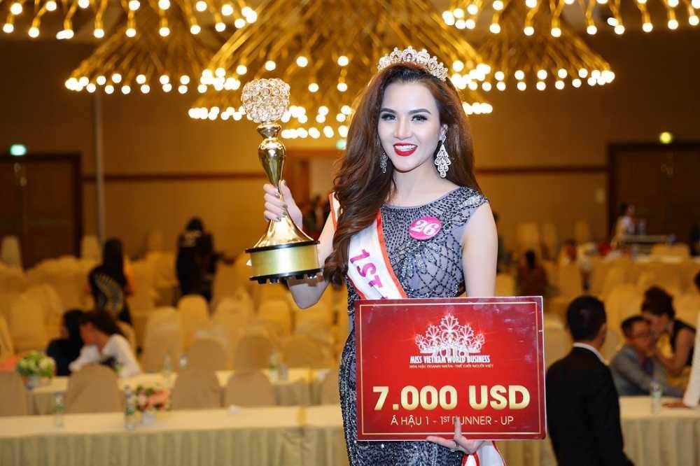 Ngoc Cham dang quang A hau 1 Doanh nhan the gioi nguoi Viet 2016 hinh anh 8