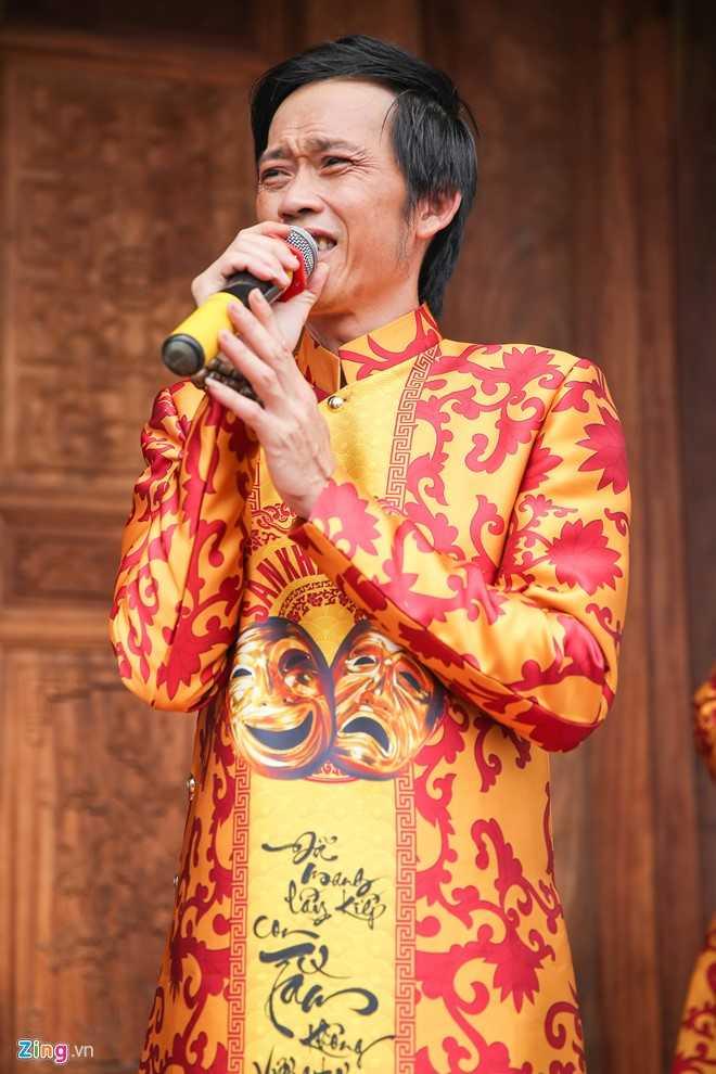 Bo me Hoai Linh tu My ve Viet Nam du le gio To nganh san khau hinh anh 2