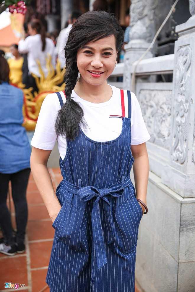 Bo me Hoai Linh tu My ve Viet Nam du le gio To nganh san khau hinh anh 6