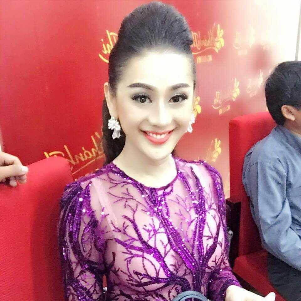 Lam Chi Khanh mac xuyen thau lo noi y di cung To nghe hinh anh 3
