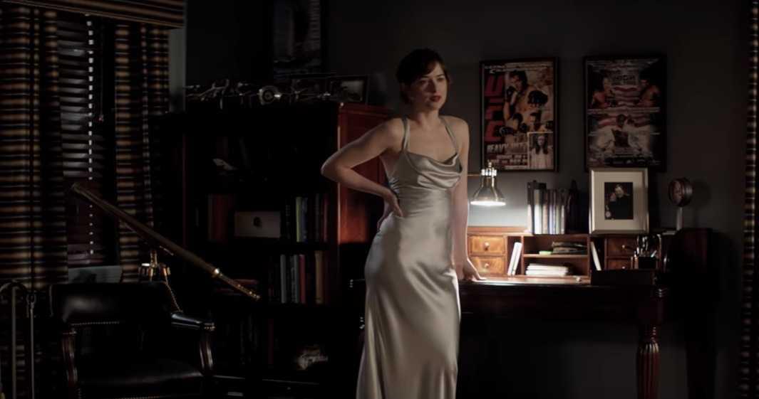 Trailer '50 sac thai': Canh yeu cua ty phu bao dam va nguoi tinh tho ngay hinh anh 2