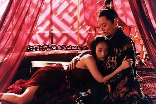 Nga ngua voi nhung tieu xao trong canh phim dong the hinh anh 12