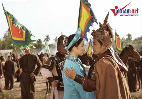 Nhung 'nguoi tinh' noi tieng dep me hon cua Ly Hung hinh anh 16