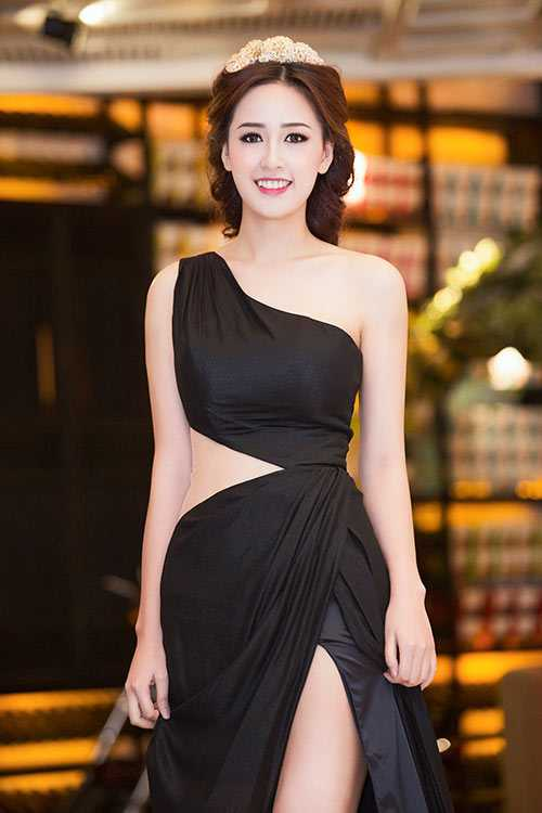 Ha Ho, Thuy Tien chuong vay xe hong cao, khoet toi eo tao bao hinh anh 11