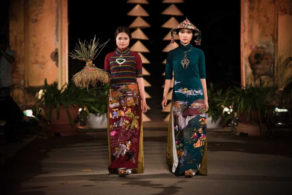 Nha thiet ke Lan Huong theu cong lang Ha Noi len lua du 'Festival Ao dai Ha Noi 2016' hinh anh 1