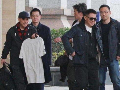 2 anh trai Ly Lien Kiet: Nguoi vat va lam thue, ke ban han song o nha hoang hinh anh 2